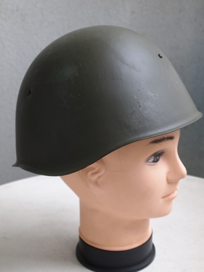 H_NVA_Konvolut_gas_mask_military_shoes_helmet_cap_P1015850